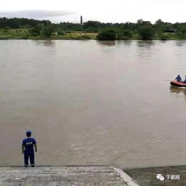 江西发生龙舟翻船事故!18岁落水者仍未找到…