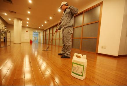 装修完的保洁5注意!不要让清洁工毁了你辛苦建起的家!。