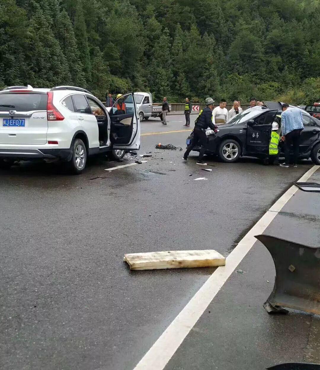 寿宁南阳路段两车相撞交通事故已致4人遇难!其中3人为下乡干部