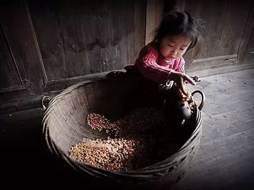 爸爸,别再出去打工了,好吗?这个小女孩儿唱哭了多少汉寿人...