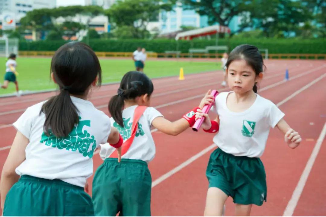 全世界先进的教育都已经换了赛场,我们还在旧的跑道上拼命!