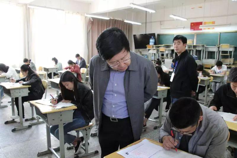 云南省2018年度公务员考试昭通考区共有28598人参加笔试,再创历史新高