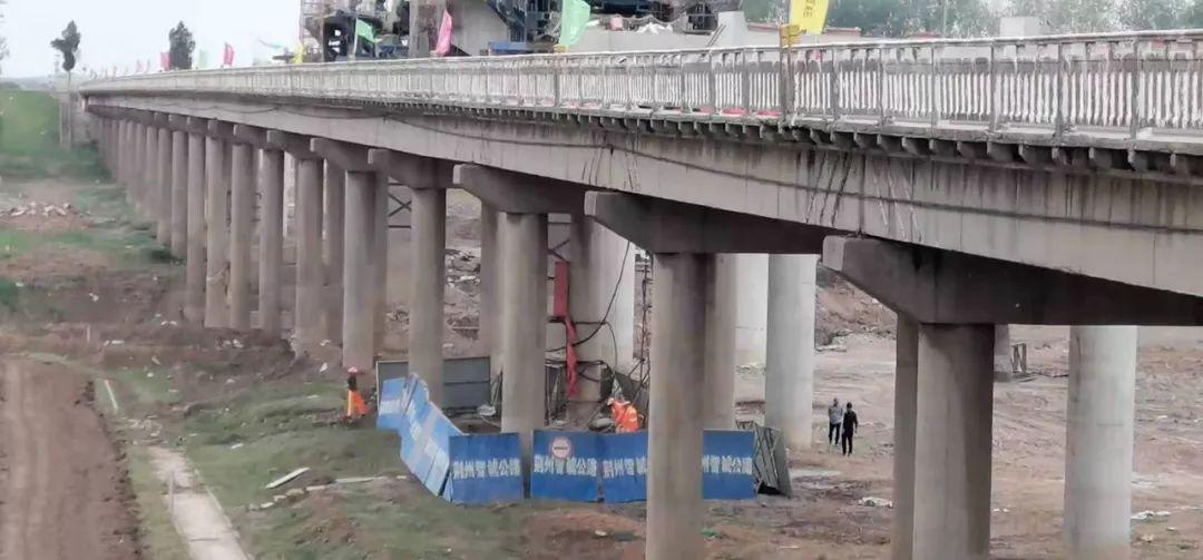 扩散!318国道万城大桥昨天(24日)起开始封闭