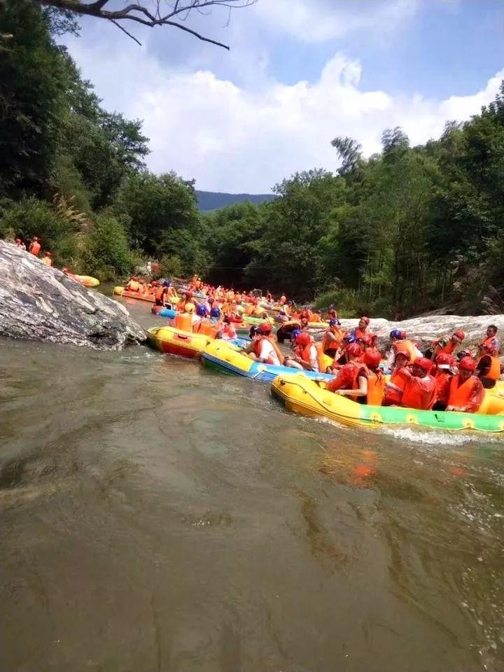 霍山大峡谷漂流突发翻船事故!多人受伤!景区发布限流通告