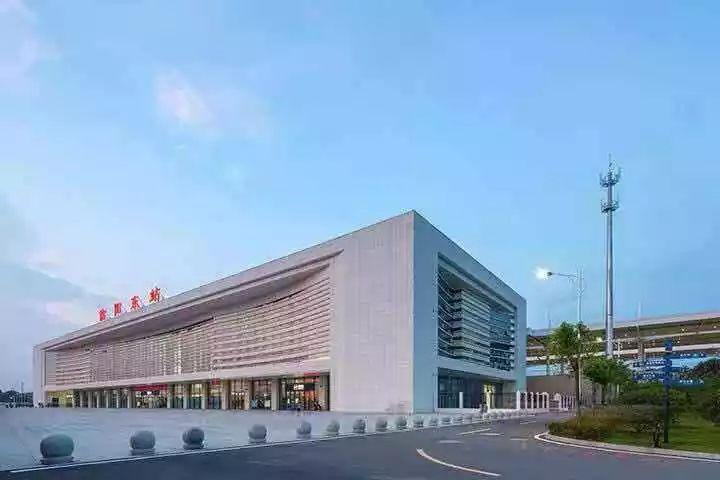信阳东站再添大型停车场,试运营期间免收停车费!