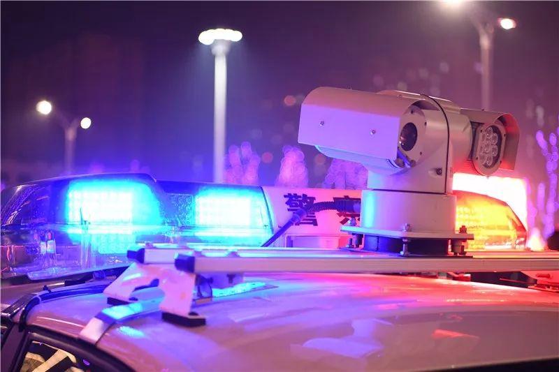 【城事】�@么多警察,白城出什么大事了......