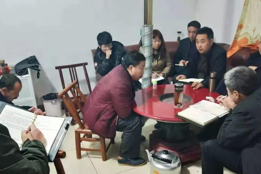 生而不�B!9�q女童�罡婧菪母改福�人大代表�樗��窝�