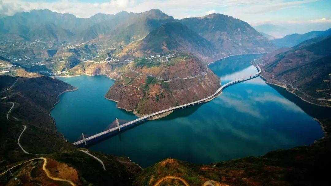 《航拍中国》四川篇来了!你的家乡美得惊人!泸州人都来看看.....