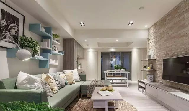 102平三居室田园风,电视墙是简陋了点,但沙发墙给力啊!