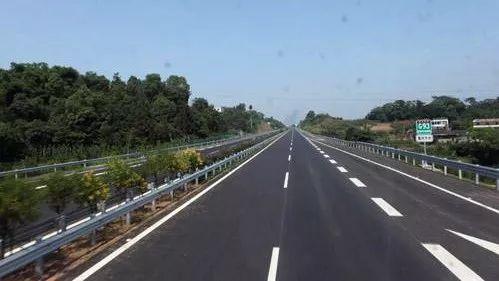 明天起,川渝省界10个高速公路收费站取消!