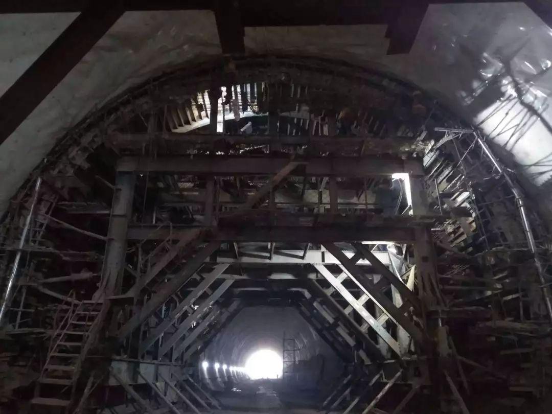 提前完成!川南城际铁路望牛山隧道顺利贯通