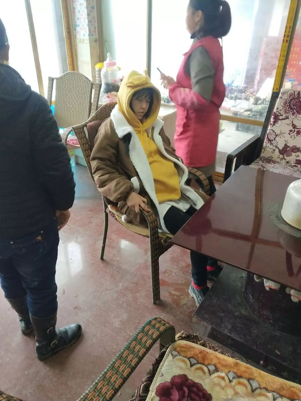 泸州:孕妇腹痛送医却遭风雪阻路,干群齐心铲雪打开生命通道!