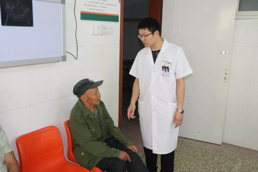 同安�t院�樨�困患者治愈骨髓炎――�慕衿鸩辉陲�受病痛折磨