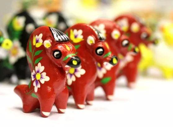 澳门威尼斯人平台等地方的民间泥塑玩具:小泥团里的小幸福···