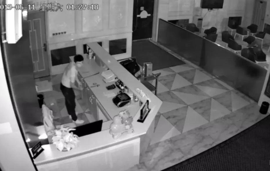 泸州男子无惧酒楼监控,白天蹭吃宴席夜晚溜进去盗窃
