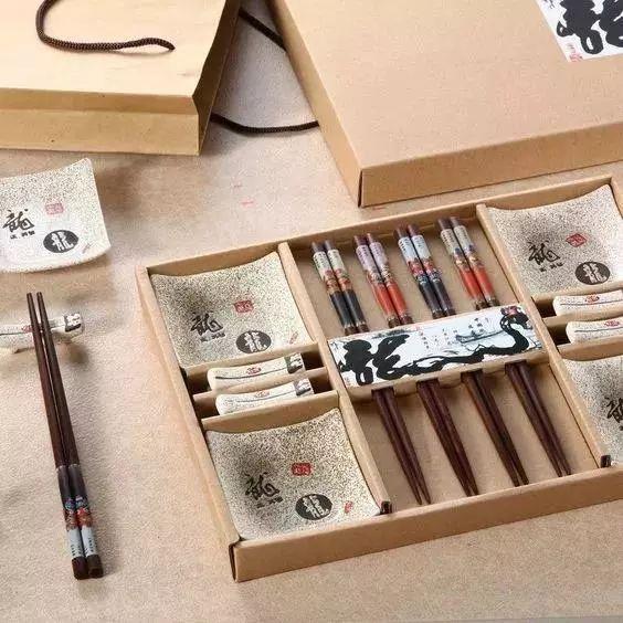 这么用筷子可能会让你生病!最后一个,几乎人人都做错了