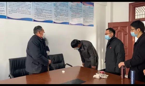 金寨汤家汇一72岁老父亲将6个子女告上了法院!