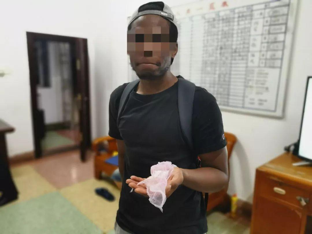 阜���l�F一外籍男子非法居留,拘留��查三十日