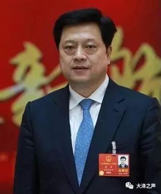 宿州市长杨军:今年,启动新一轮三年棚户区改造计划;大力建设停车位等配套设施,提升群众幸福感。