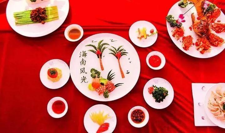 大厨和吃货们的节日到了,我县要举办一场饮食饕餮盛宴