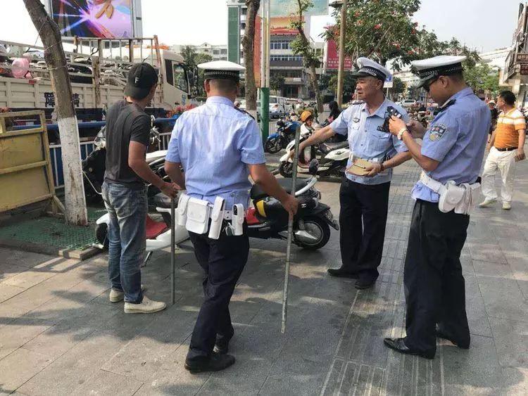 东方市公安局交警大队开展道路交通整治行动