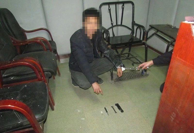 泸州一男子盗窃被抓,下跪求放过