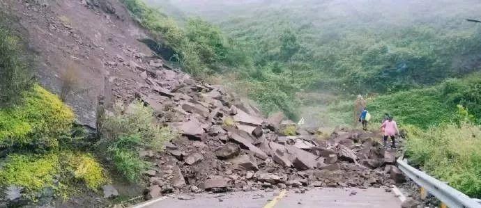 暴雨引发洪涝灾害,泸州转移1200余人