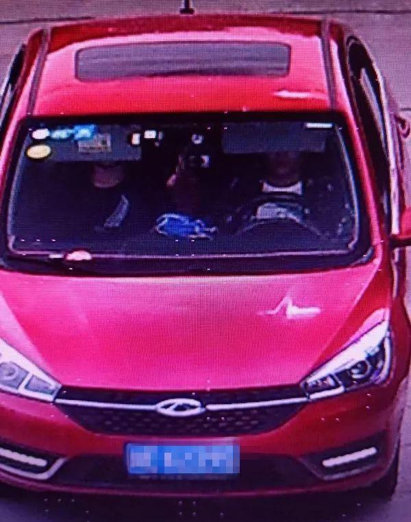 泸州2男子驾驶改装面包车偷油5吨被刑拘
