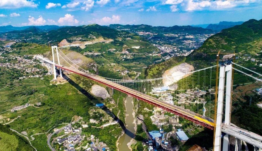 赤水河大桥进入桥面系施工阶段,力争年底通车