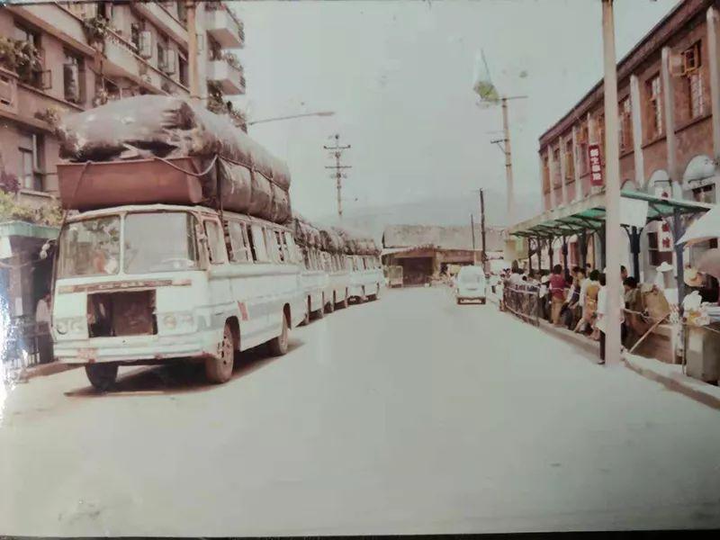 一�����l�S老照片��C�o州公共交通��w