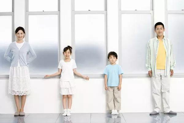 �t���B生|每天站立3小�r,效果堪比�R拉松!每天�猿郑�身�w��有5��神奇�化