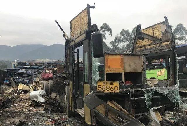 泸州首例非法经营公司被注销,下线大客车被强制报废