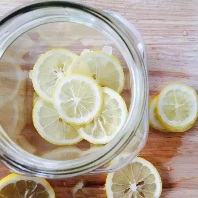喝水加一物,竟能美白又瘦身,一天喝一次,轻松月瘦10斤肉
