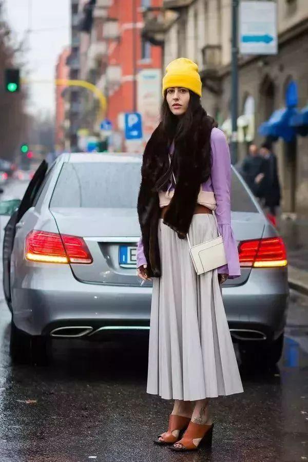 一条百褶裙的3种穿法,照着穿美到犯规!