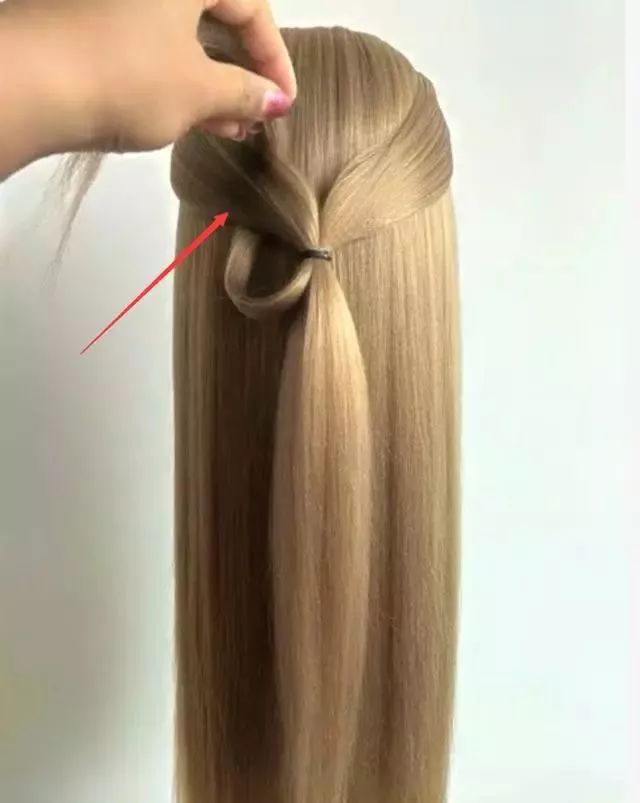 这么漂亮的半扎发,学会你就是女神!