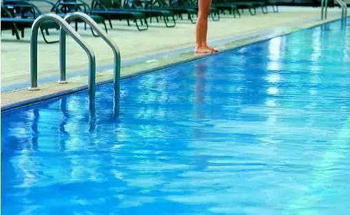 游泳正式�M入2020年全��中考�目?�o州市教育局回��
