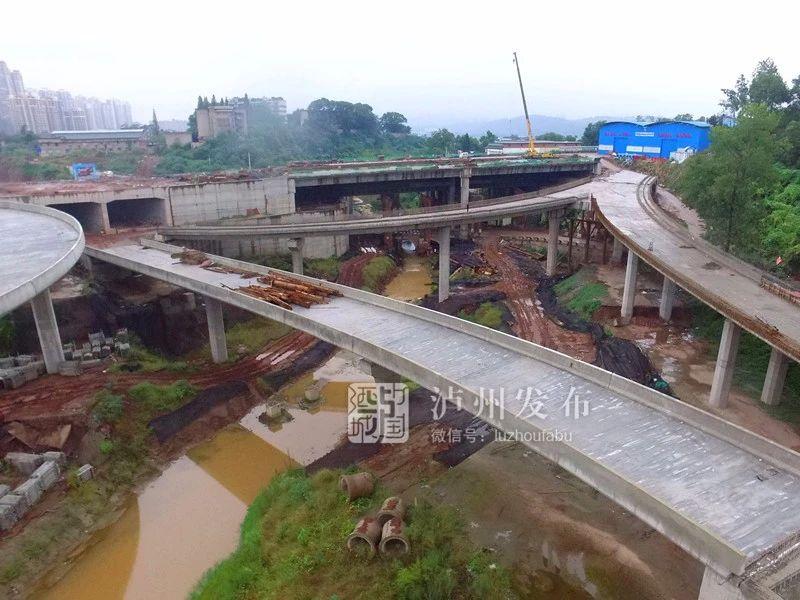 采用新技术、水陆并进,来看看泸州长江六桥修成什么样了?