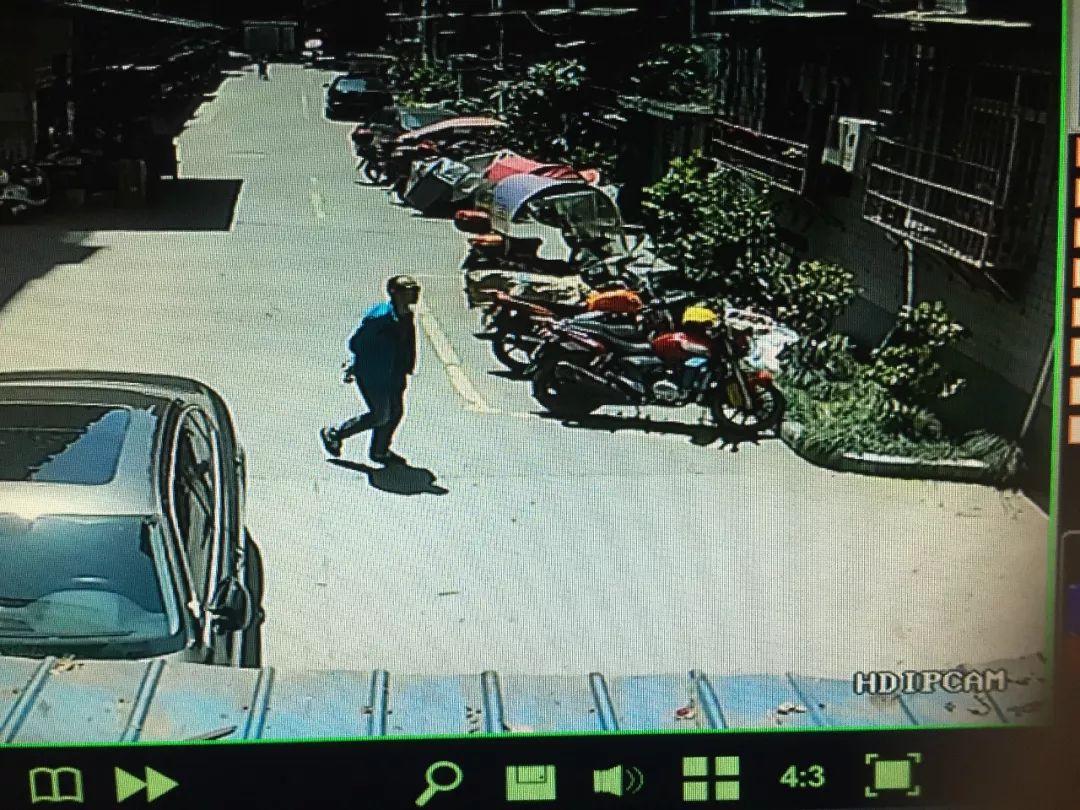 筠连有摩托车的快看!宜宾一男子仅5分钟就偷走电瓶车!