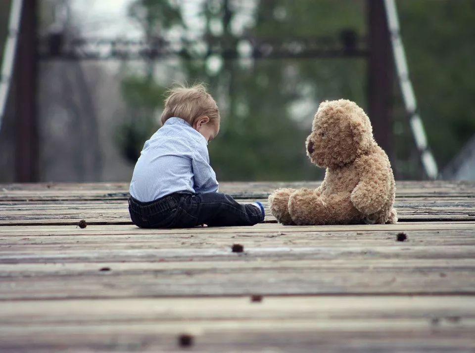 不许男孩哭,是这个世界对他们最大的伤害