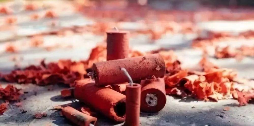 彝良两家商店非法储存烟花爆竹案件被查处,2名老板被拘留!