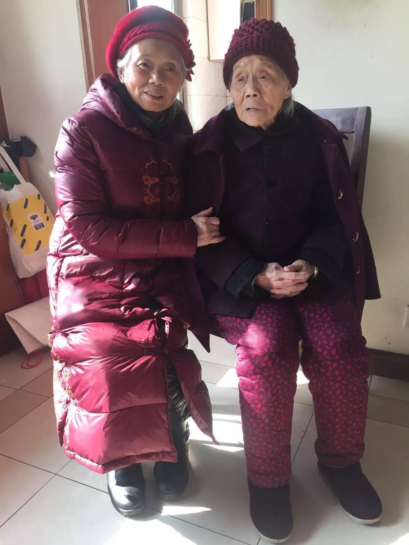 """【春节故事】103岁老人终生未婚、照样有个""""四世同堂""""的大家庭!"""