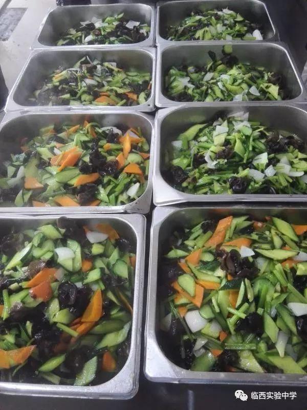 【今日高考】临西实验中学免费为高考学子提供营养餐!