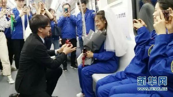 地铁之所以拥挤,是因为承载了太多故事!