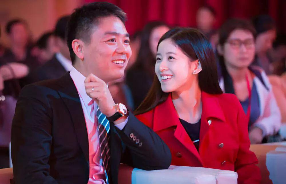 从刘强东事件到咪蒙离婚:离婚不会毁掉一个女人,社会的恶意才会!