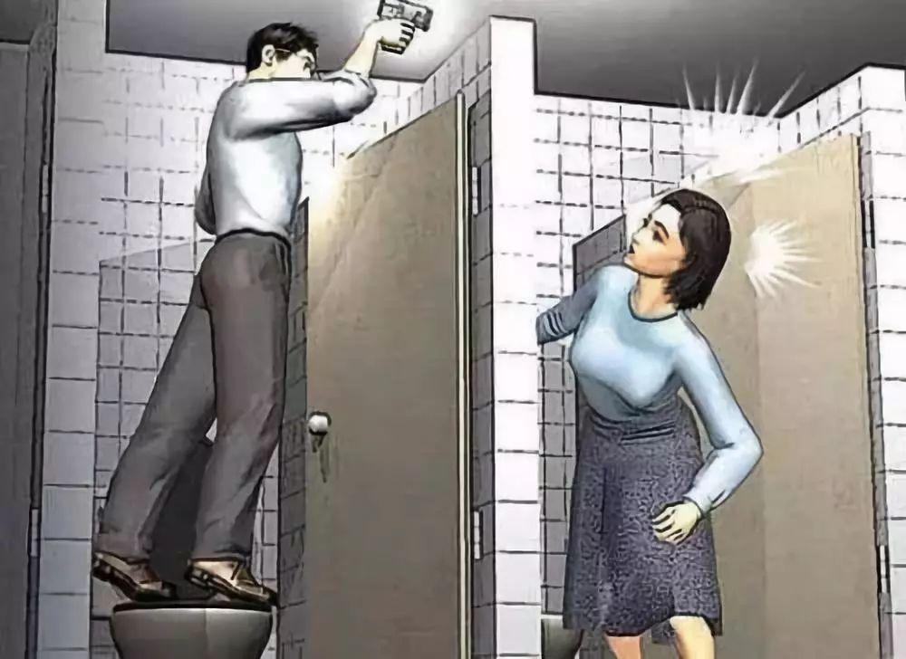 怒!安徽一男子竟在医院女厕所用镜子偷窥!