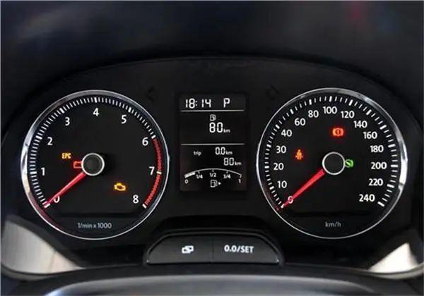@阜宁老司机:汽车故障灯亮起,先修理还是继续开?