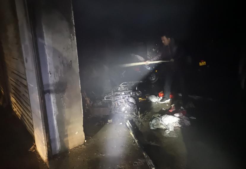 突发!前天晚上,信阳一宾馆地下车库电动车起火!