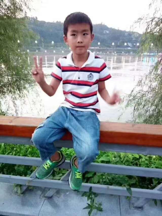 急人!宜宾男孩失踪2天,衣服在河边被发现