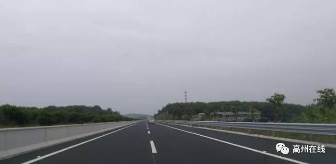 @高州人:抢先看汕湛高速高州段,离通车的日子越来越近了!