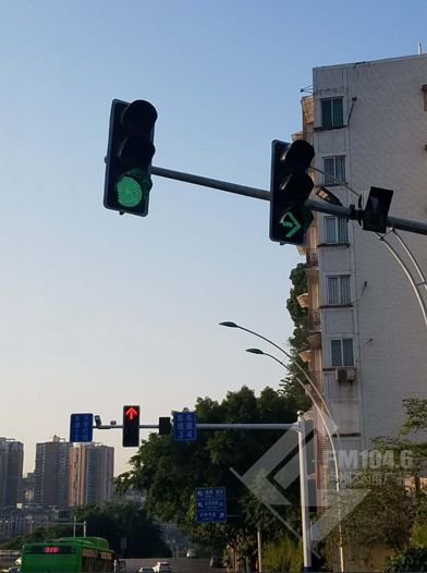 注意!泸州忠山隧道出口处灯控已调整!